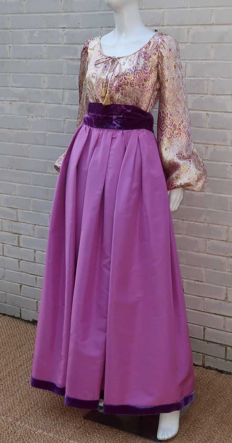 1970's Mignon Gold Lamé & Orchid Taffeta Peasant Dress Ensemble For Sale 3