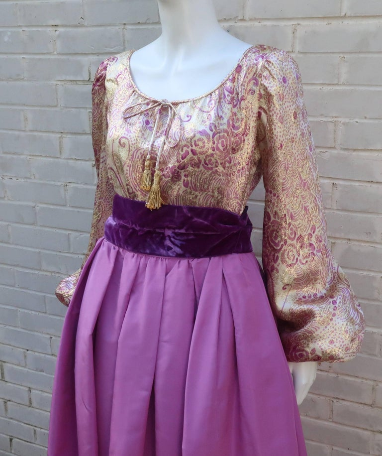 1970's Mignon Gold Lamé & Orchid Taffeta Peasant Dress Ensemble For Sale 2