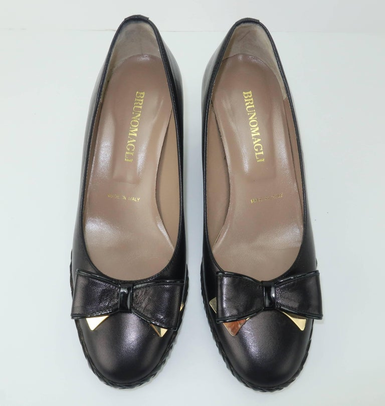 Bruno Magli Black Leather Wedge Shoes With Bow Tie Detail Sz 37 In Good Condition For Sale In Atlanta, GA
