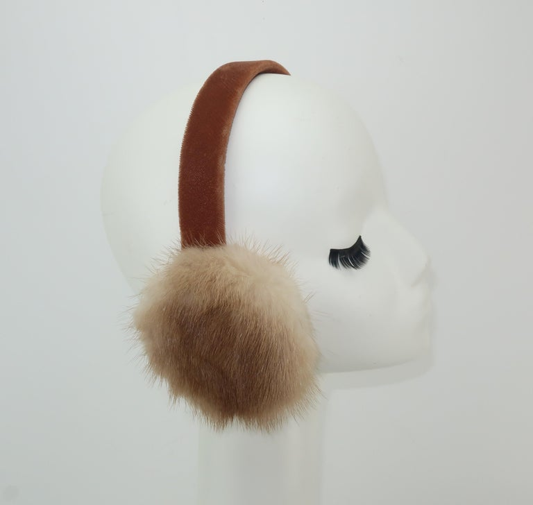 Blonde Mink Fur and Velvet Vintage Ear Muffs In Good Condition For Sale In Atlanta, GA
