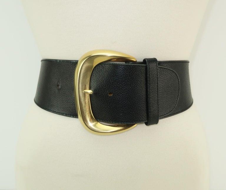 Women's Robert Lee Morris for Donna Karan Gold Buckle Black Leather Belt For Sale