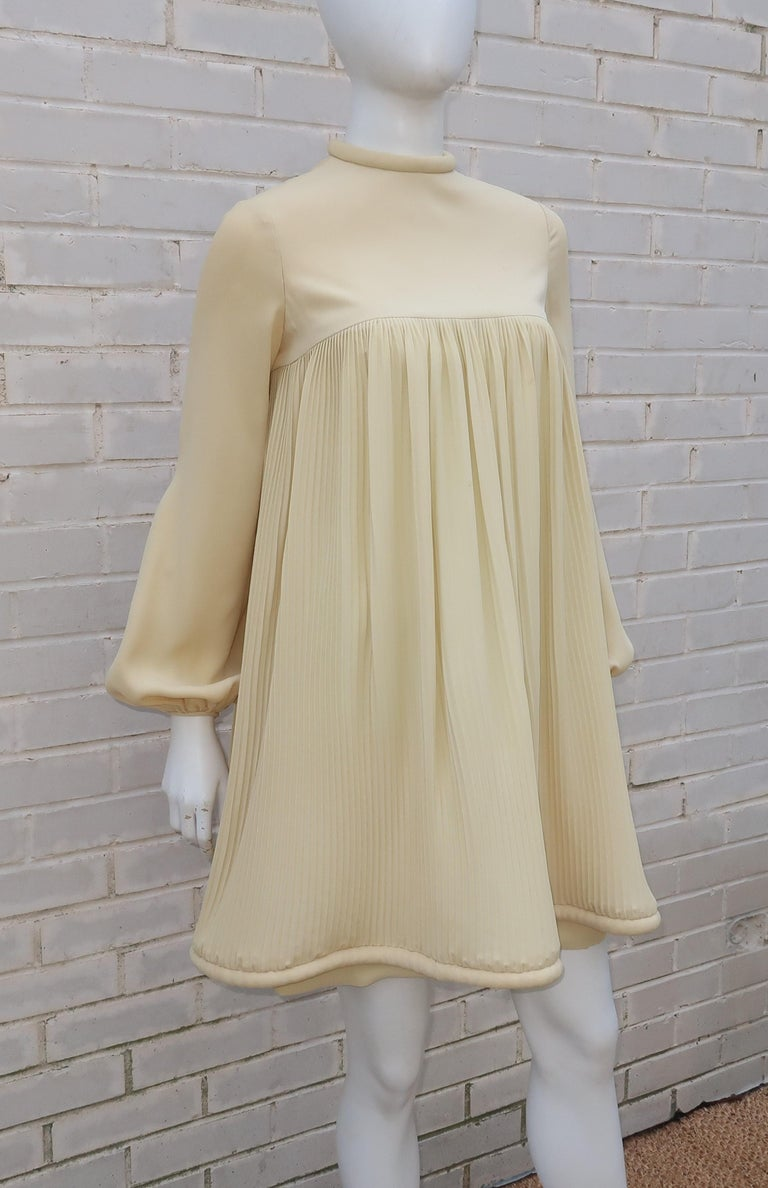 1960's Pierre Cardin Micro Pleated Silk Trapeze Dress For Sale 4