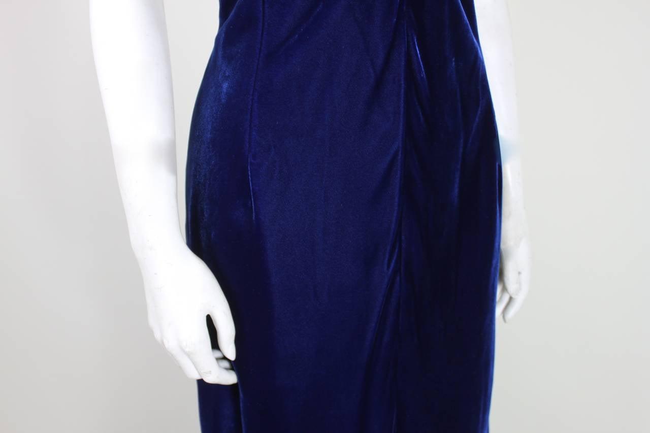 Jacqueline De Ribes Stunning Midnight Blue Velvet Evening Gown For Sale 4