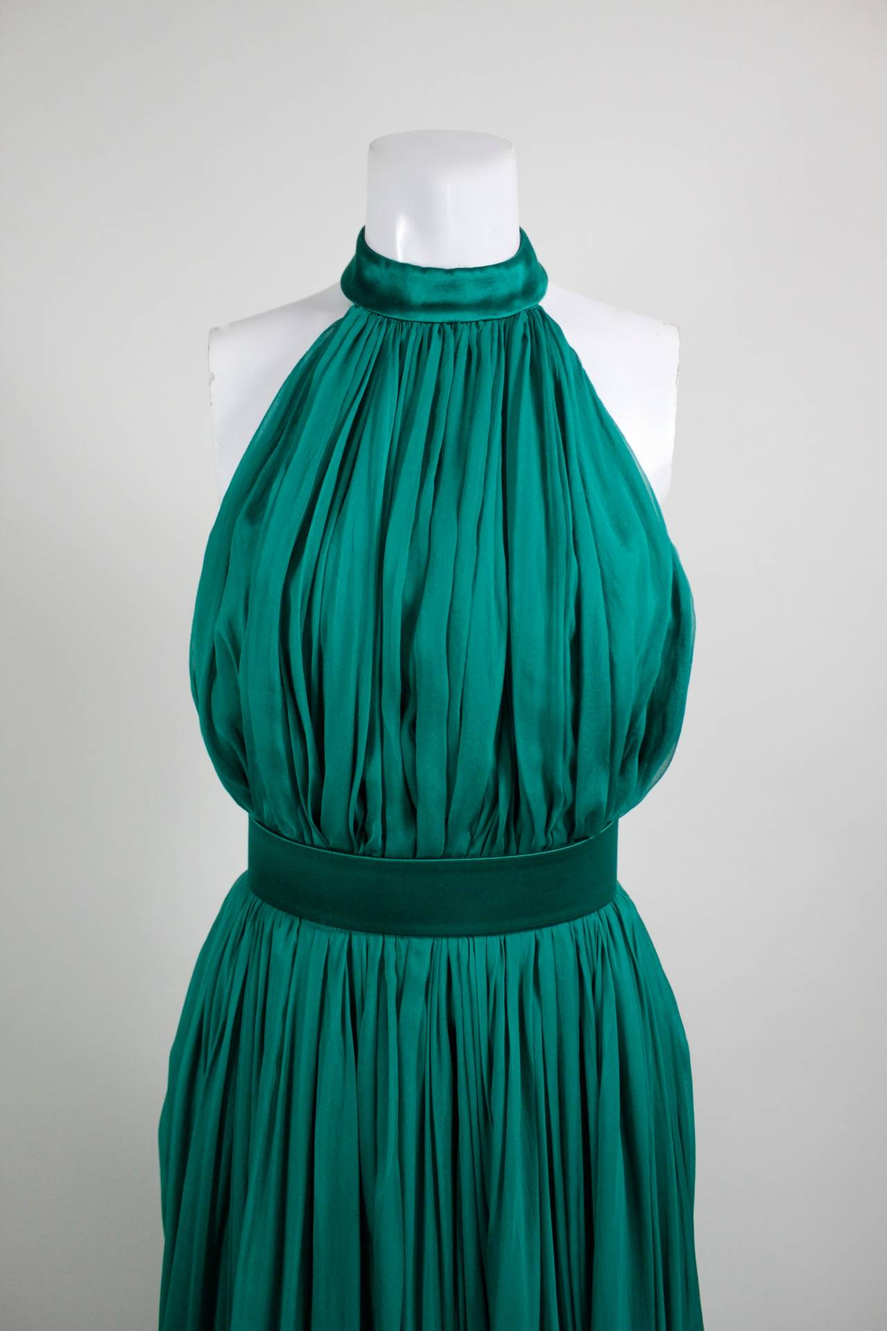 Alexander McQueen 2010 Flowing Emerald Green Chiffon Halter Gown with Belt 2