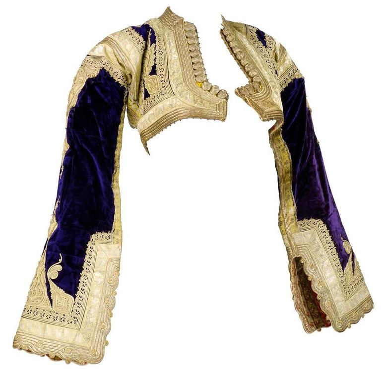 Early 20th Century Ethnic Cropped Purple Velvet Jacket with Gold Braid 2
