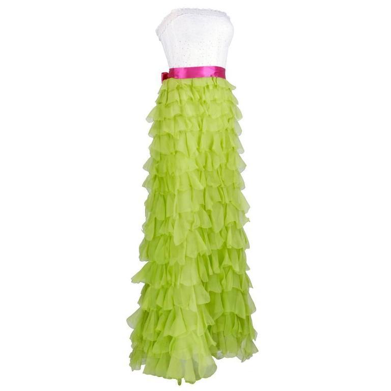 2000s Oscar de la Renta Gown with Tiered Ruffled Chiffon Skirt 2
