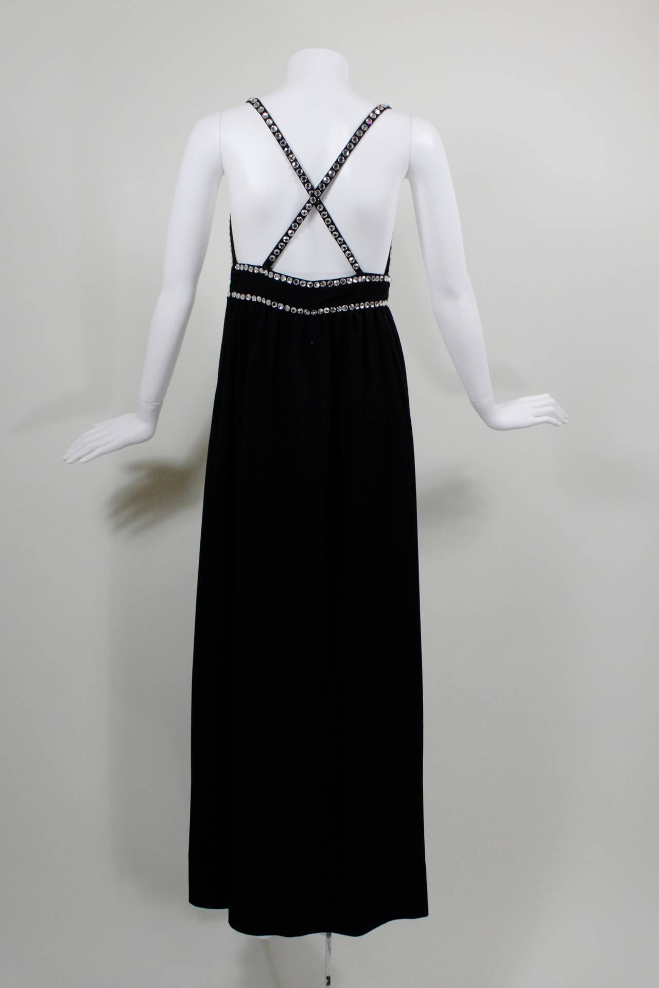 Oscar de La Renta Black Evening Gown with Oversize Rhinestone Embellishment 4