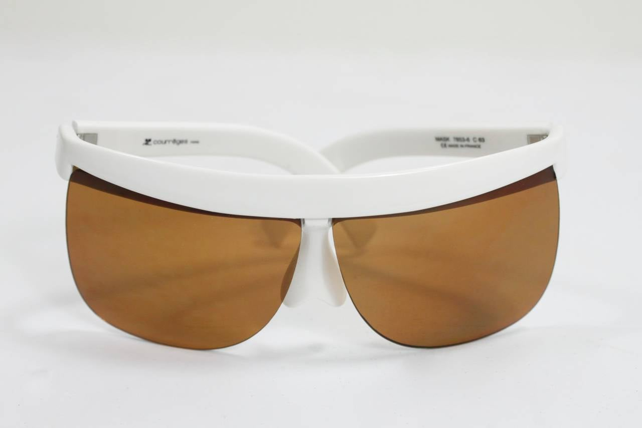 1960s Courreges White Sunglasses In Excellent Condition For Sale In Los Angeles, CA