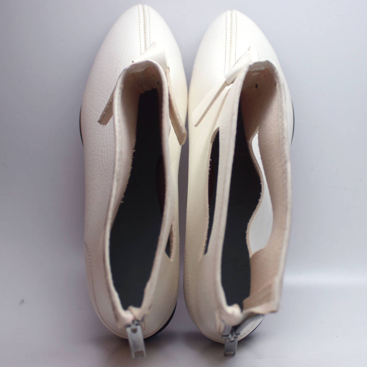 Rare 1960s Hullabaloo Cut-Out Go Go Boots For Sale 4