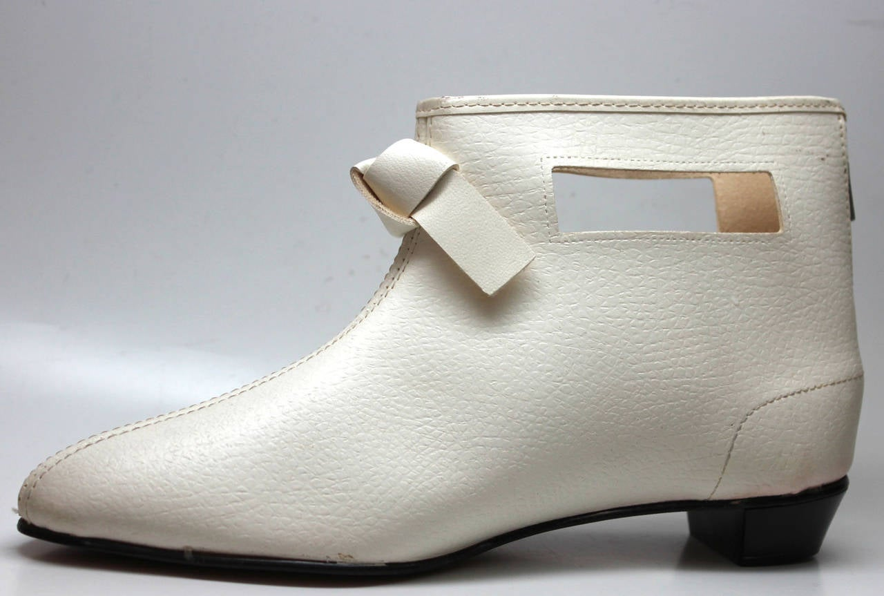 Women's Rare 1960s Hullabaloo Cut-Out Go Go Boots For Sale