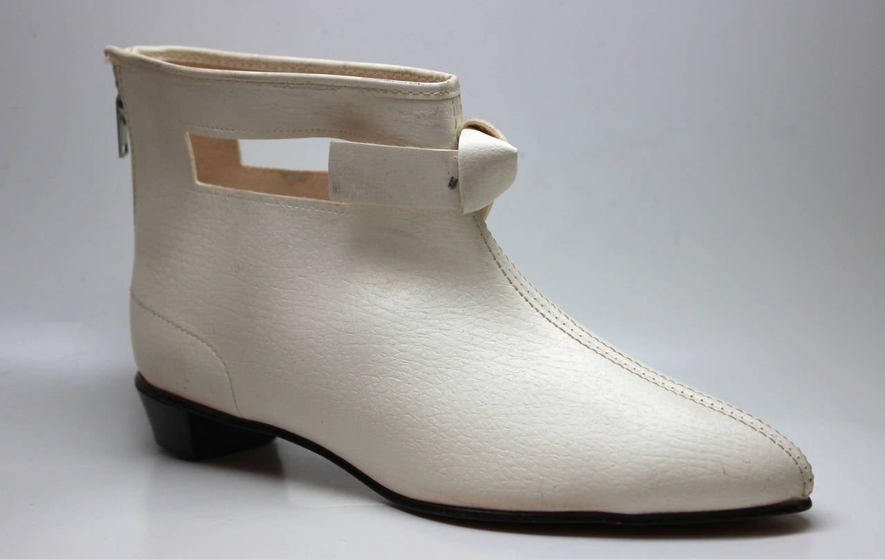 Rare 1960s Hullabaloo Cut-Out Go Go Boots For Sale 1