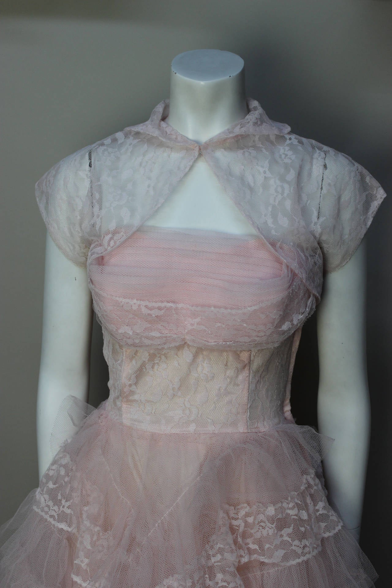 Stunning Never Worn 1950s Pink Tulle Evening Dress with Lace Bolero For Sale 2