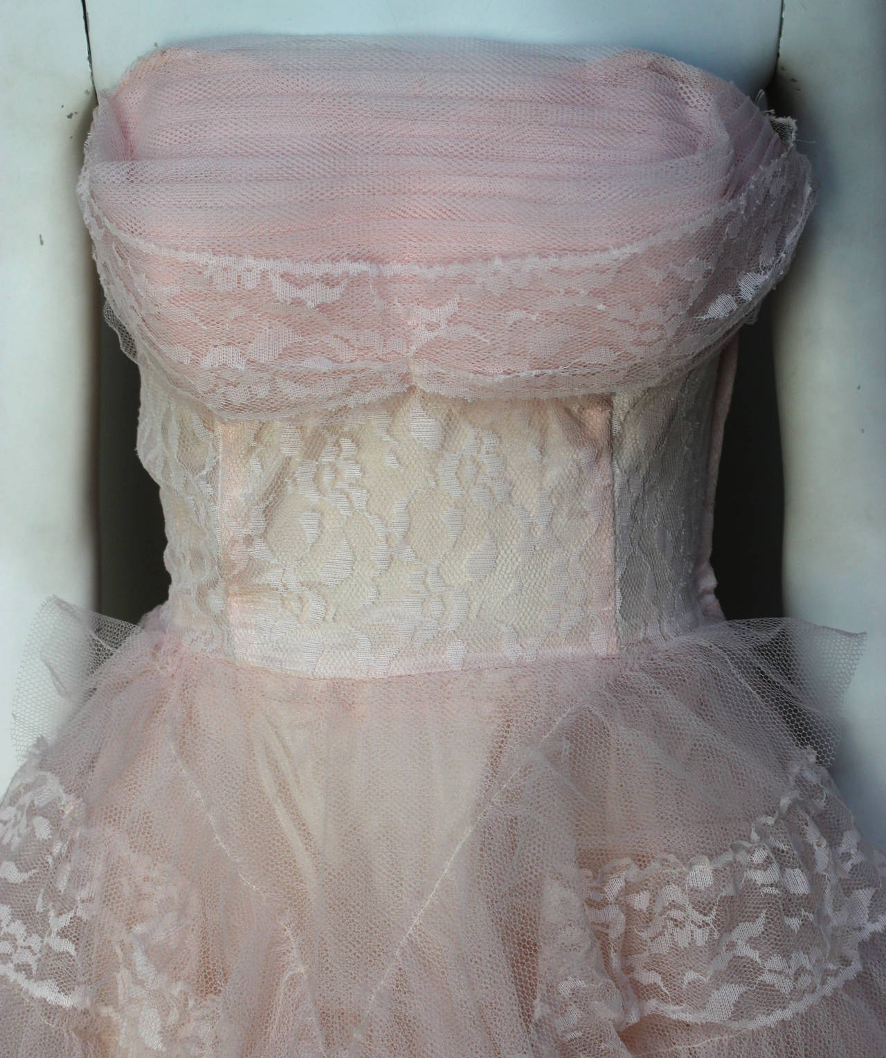 Stunning Never Worn 1950s Pink Tulle Evening Dress with Lace Bolero For Sale 3