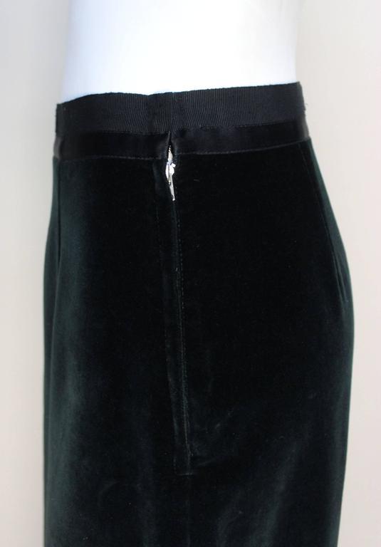 Women's Martin Margiela Early 90s Forest Green Velvet White Label Skirt For Sale