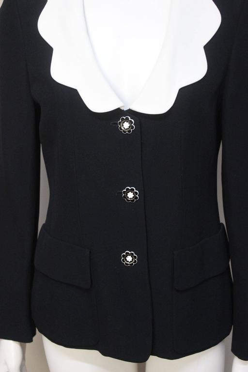 Moschino Scalloped Collar Jacket with Daisy Buttons For Sale 2
