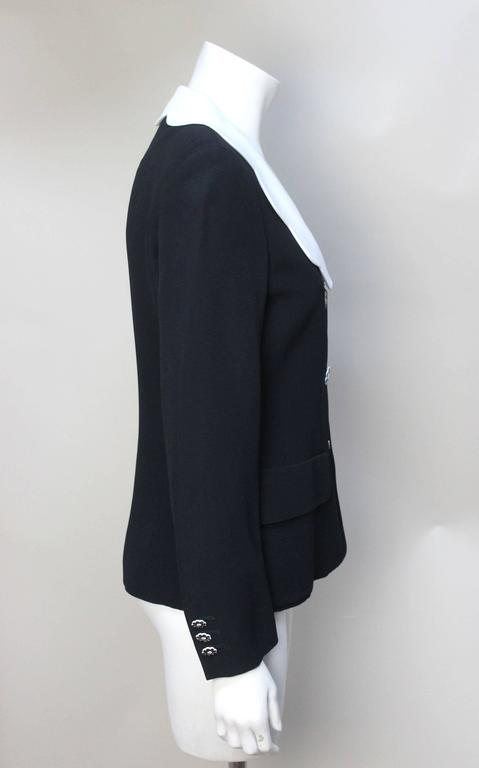 Moschino Scalloped Collar Jacket with Daisy Buttons In Excellent Condition For Sale In New York, NY
