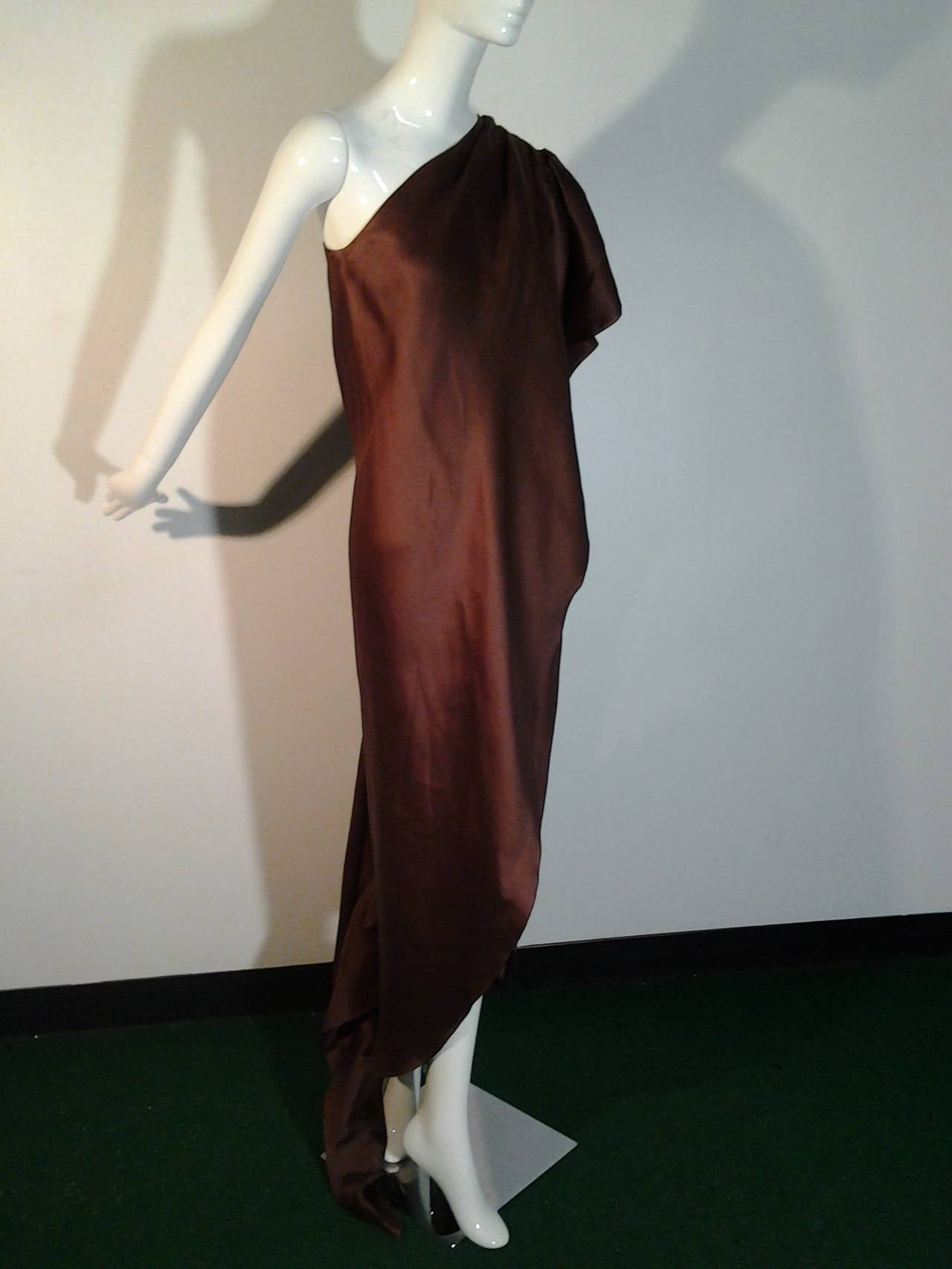 1970s Halston One-Shoulder Double-Layered Organza Column w/ Ruffle Train For Sale 2