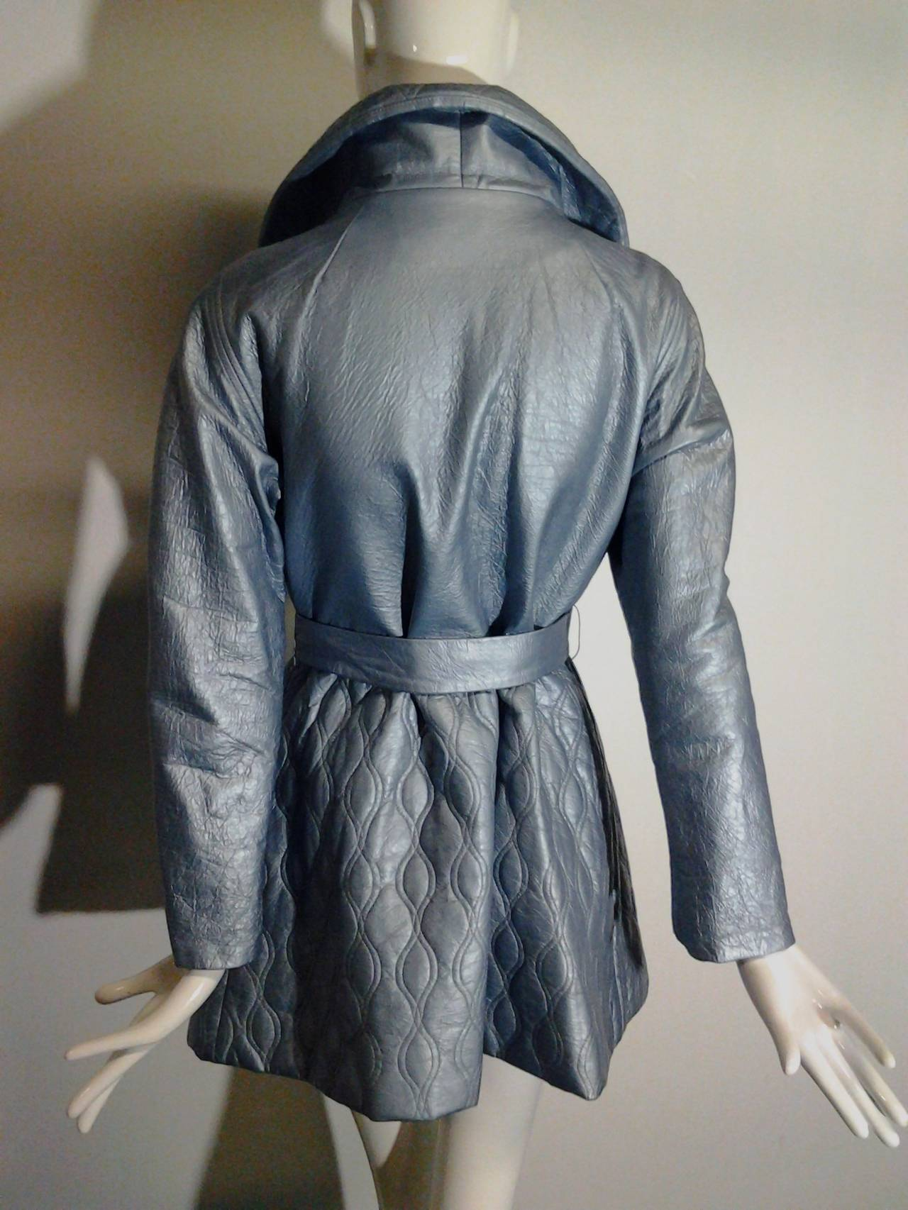1960s Lilli Ann Pearlized Vinyl  Car Coat in Pale Blue In Excellent Condition For Sale In San Francisco, CA
