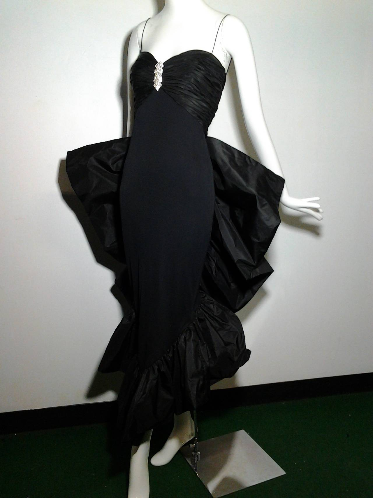 1980s Jill Richards Dramatic Black Fan-Tail Bustle Cocktail Dress For Sale 2