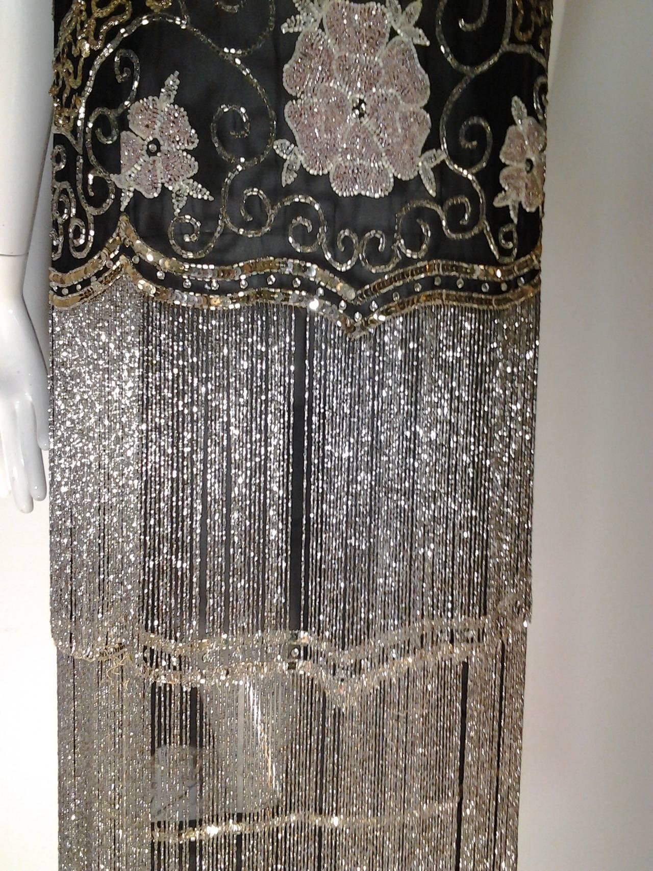 "Women's 1920s Quintessential Art Deco Glass Beaded Fringe ""Flapper"" Dress For Sale"