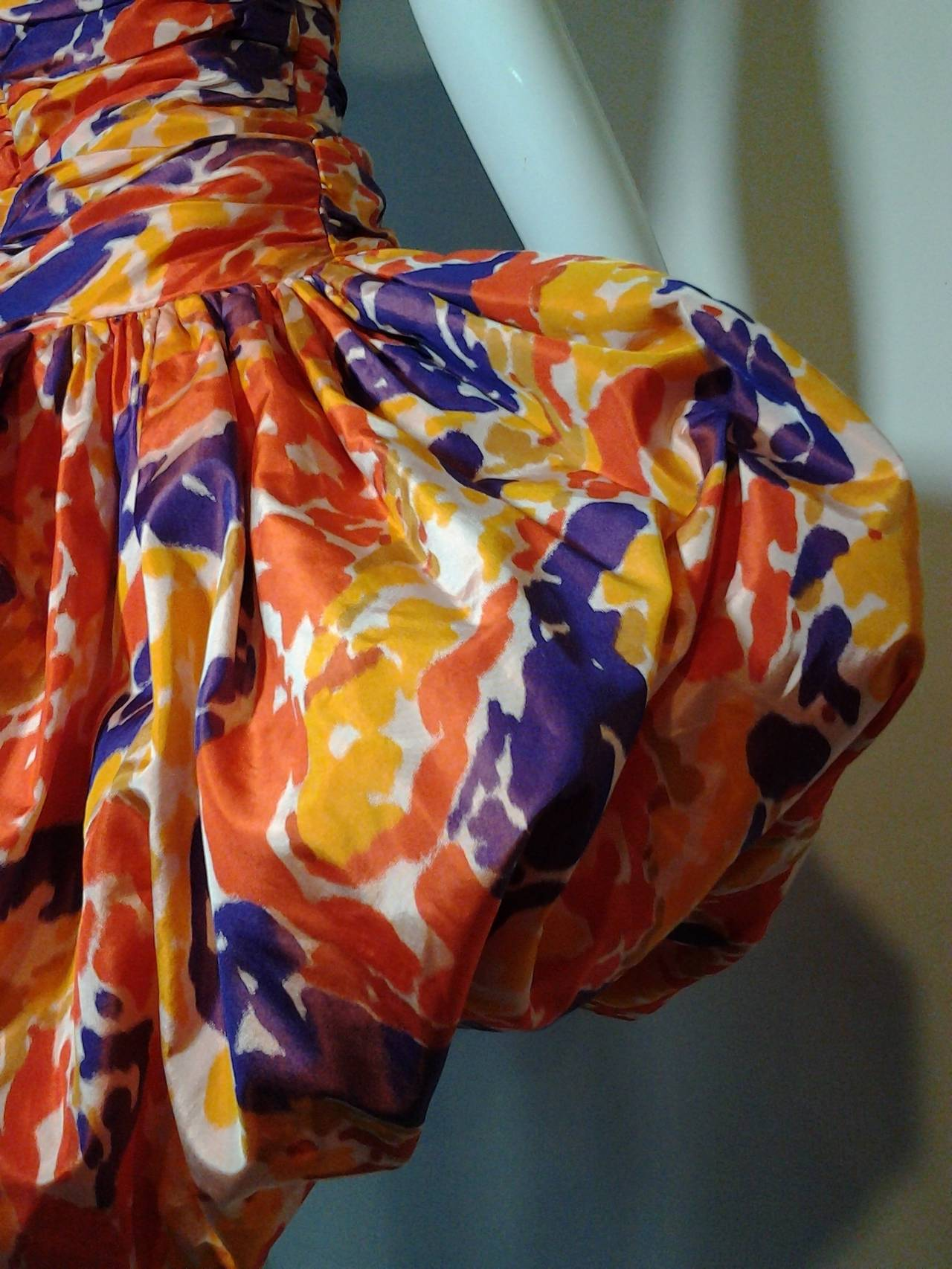 1980s Bill Blass Silk Floral Print Strapless Pouf Dress In Excellent Condition For Sale In San Francisco, CA