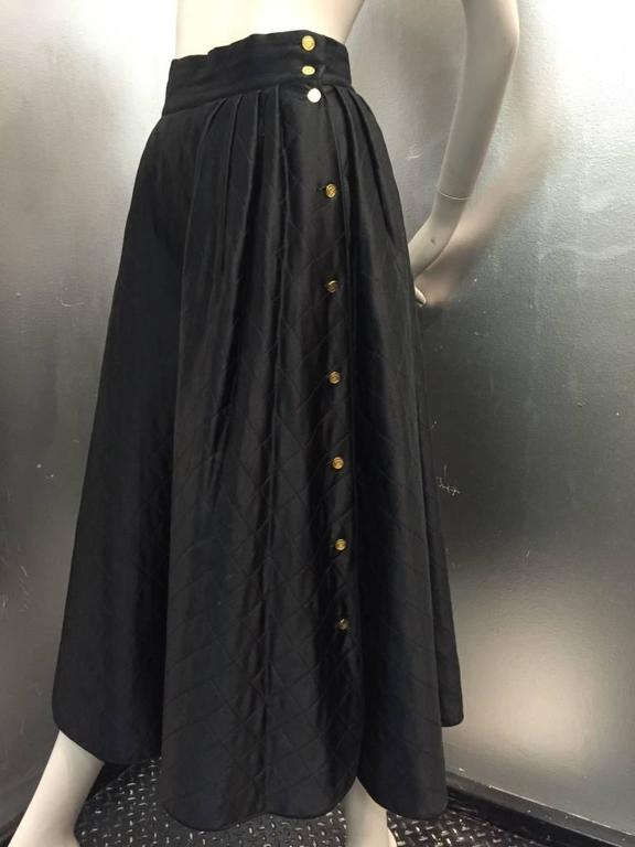 "1980s Chanel Quilted Silk Satin Full Skirt with ""Handbag"" Buttons For Sale 3"