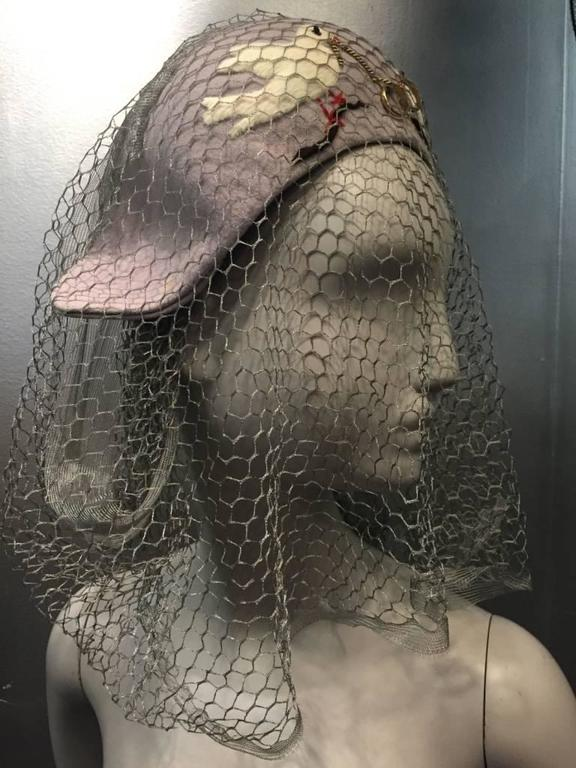 1940s Irina Roublon Couture Hat w Dove Appliqués, Veiling and 14K Gold Rings In Excellent Condition For Sale In San Francisco, CA