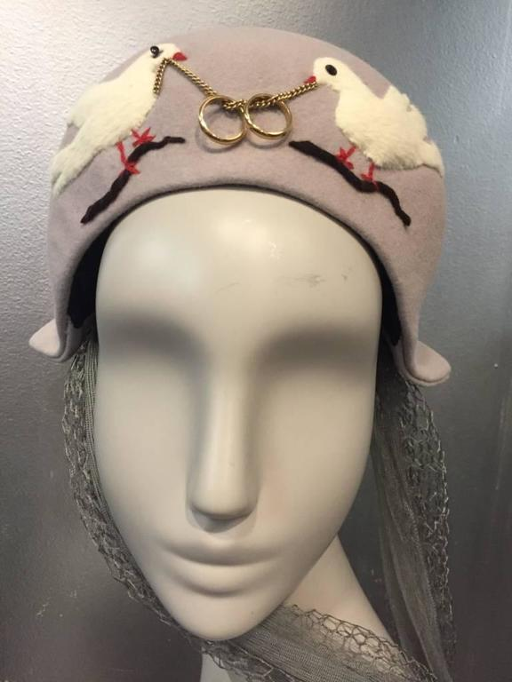 Brown 1940s Irina Roublon Couture Hat w Dove Appliqués, Veiling and 14K Gold Rings For Sale