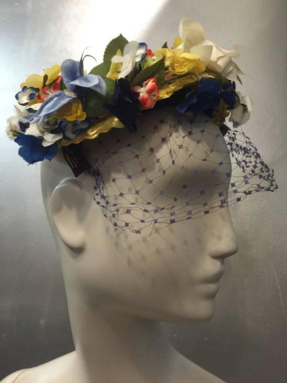 1950s Chanda Pale Yellow Straw Hat Trimmed in Beautiful Multicolor Flowers For Sale 3