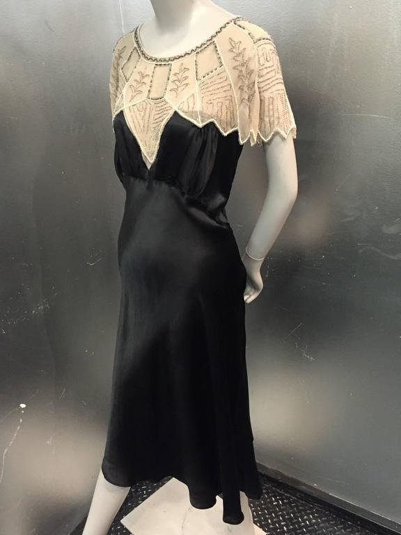 1920s Art Deco Black Silk Satin Gatsby-Style Dress w Beaded Caplet In Excellent Condition For Sale In San Francisco, CA