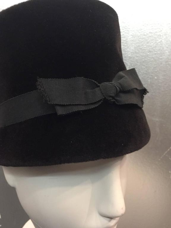 1960s Christian Dior Velvet Equestrian Style Hat W/ Bow  4