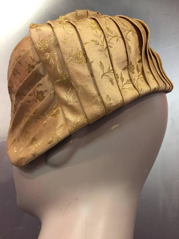 1950s Tatiana Gold Silk Lamé Brocade Pleated Asymmetrical Cocktail Hat In Excellent Condition For Sale In San Francisco, CA
