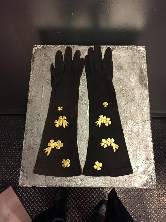 Black 1940s French Suede Evening Gloves w Gold Gilt Leather Flower Appliqués For Sale