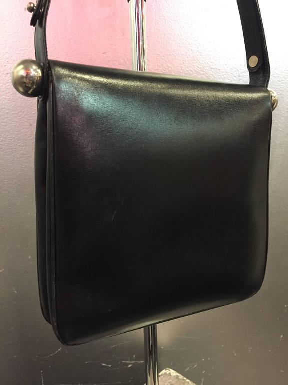 1960s Mod Saks Fifth Avenue Black Calf Skin Shoulder Bag w Chrome Ball Detail  In Excellent Condition For Sale In San Francisco, CA