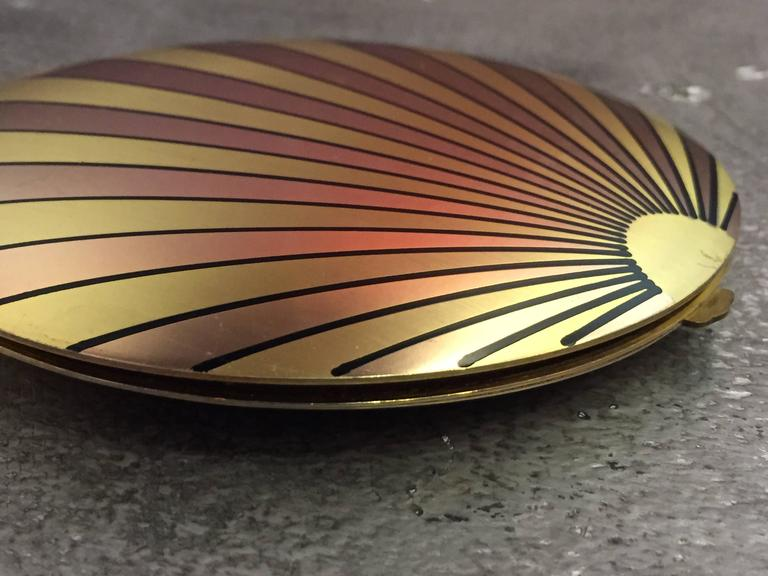 1940's Art Deco Inspired Rose Gold & Brass Sun Ray Motif Compact  In Good Condition For Sale In San Francisco, CA