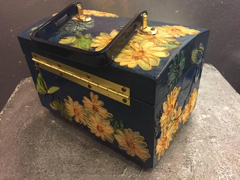 1960s Wooden Box Purse w Painted and Applied Flowers & Butterflies  For Sale 2
