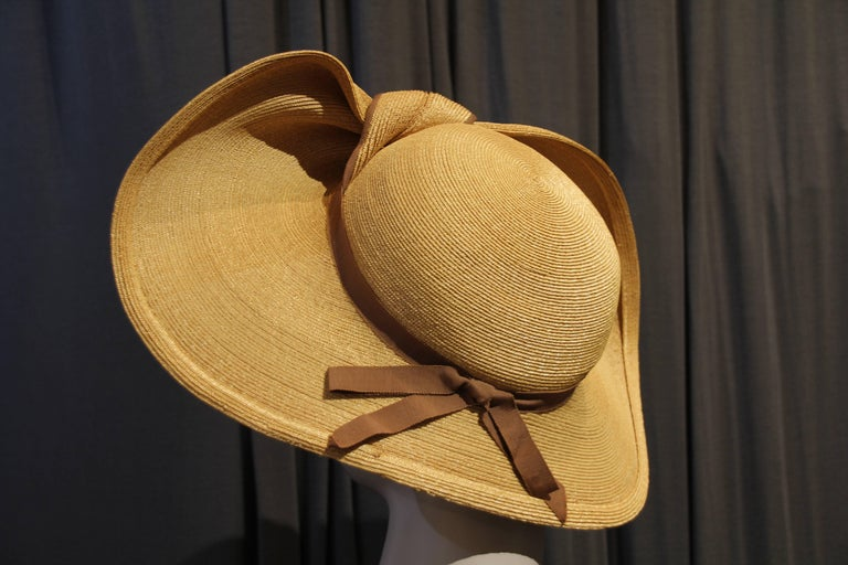 Beige 1940s Gene Doris Sculpted Brim Straw Hat w Brown Ribbon Band For Sale