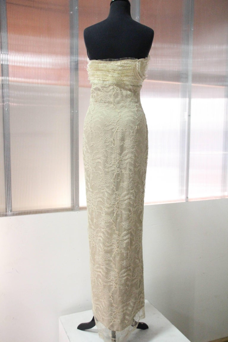 Women's 1990s Gianfranco Ferre Ecru French Lace and Horsehair Braid Strapless Gown For Sale