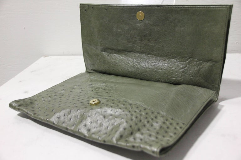 Loewe Moss Green Ostrich Leather Envelope Clutch, 1970s  In Excellent Condition For Sale In San Francisco, CA