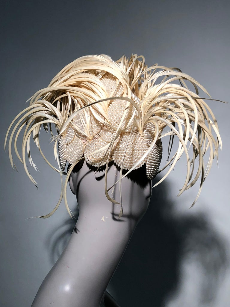 1950s Bes-Ben Ivory Feather & Pearl Medallion Cocktail Hat For Sale 2