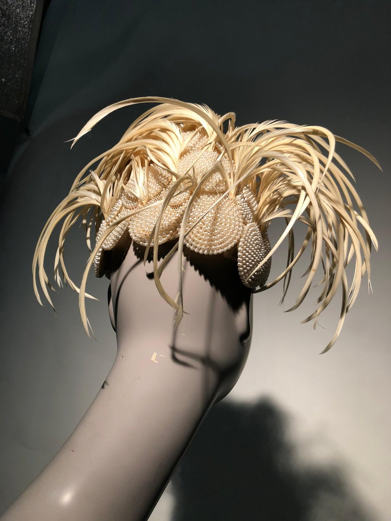 1950s Bes-Ben Ivory Feather & Pearl Medallion Cocktail Hat For Sale 5