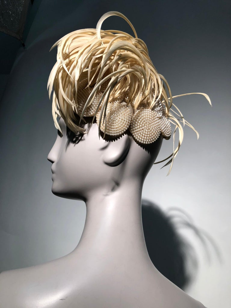 1950s Bes-Ben Ivory Feather & Pearl Medallion Cocktail Hat For Sale 8