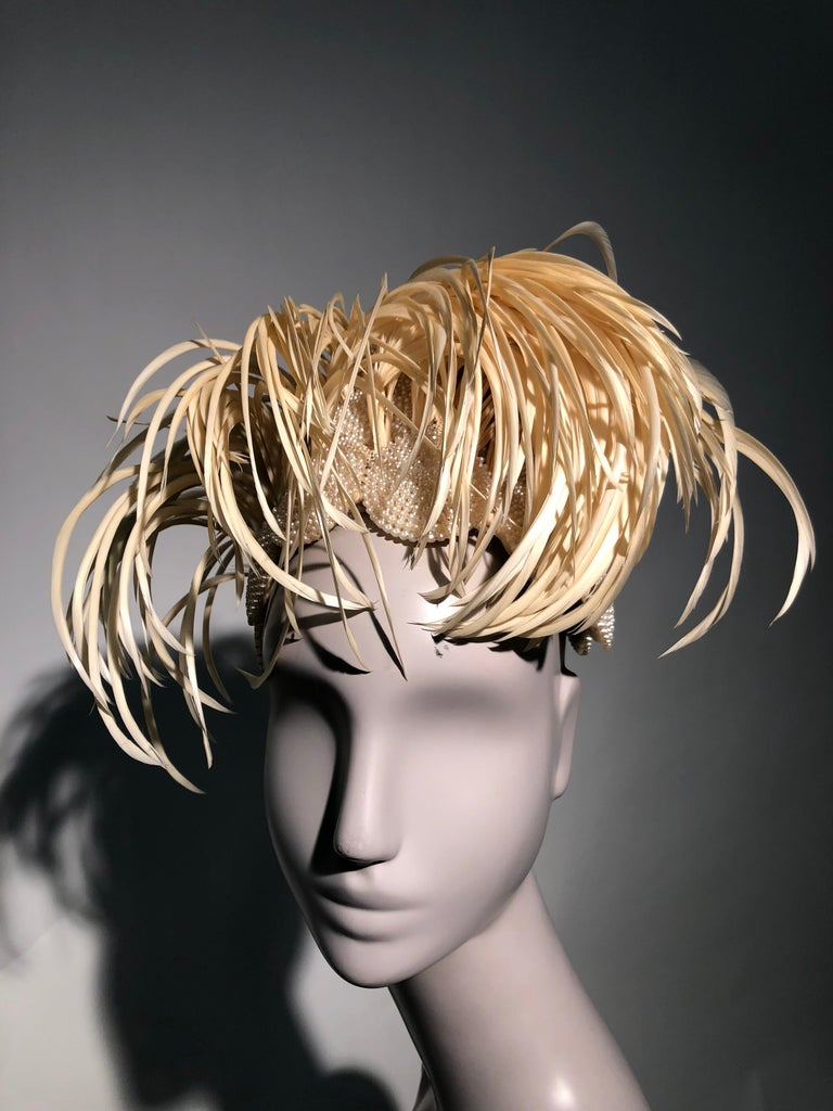 1950s Bes-Ben Ivory Feather & Pearl Medallion Cocktail Hat For Sale 11