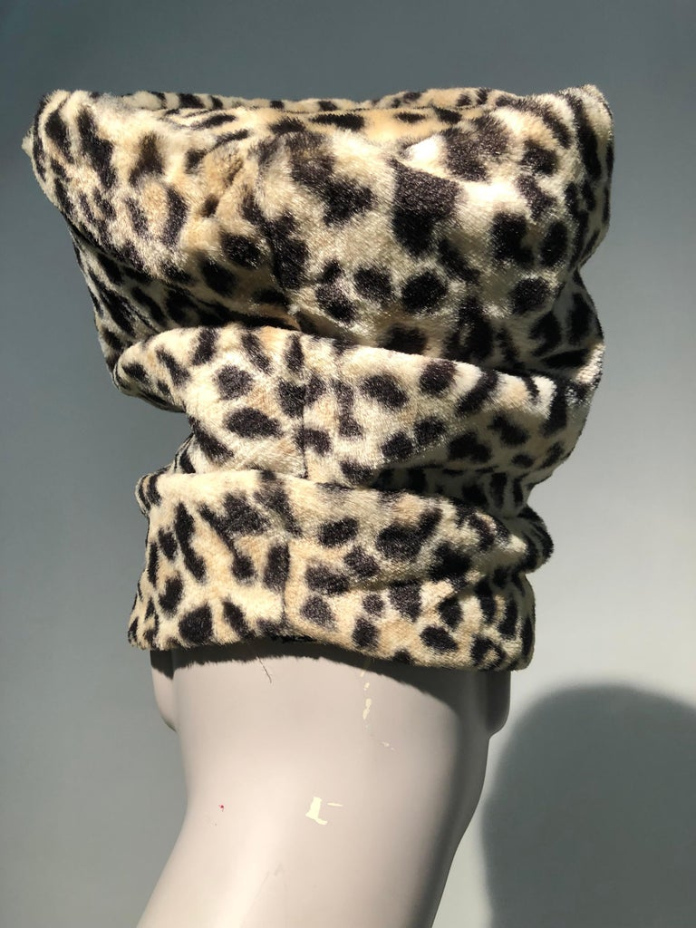 1960s Dachettes By Lilly Daché Whimsical Stovepipe Faux Leopard Hat In Excellent Condition For Sale In San Francisco, CA