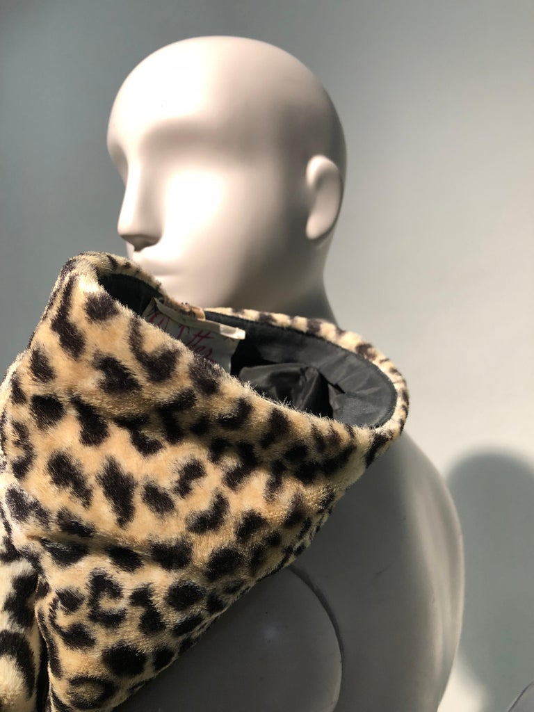 1960s Dachettes By Lilly Daché Whimsical Stovepipe Faux Leopard Hat For Sale 2