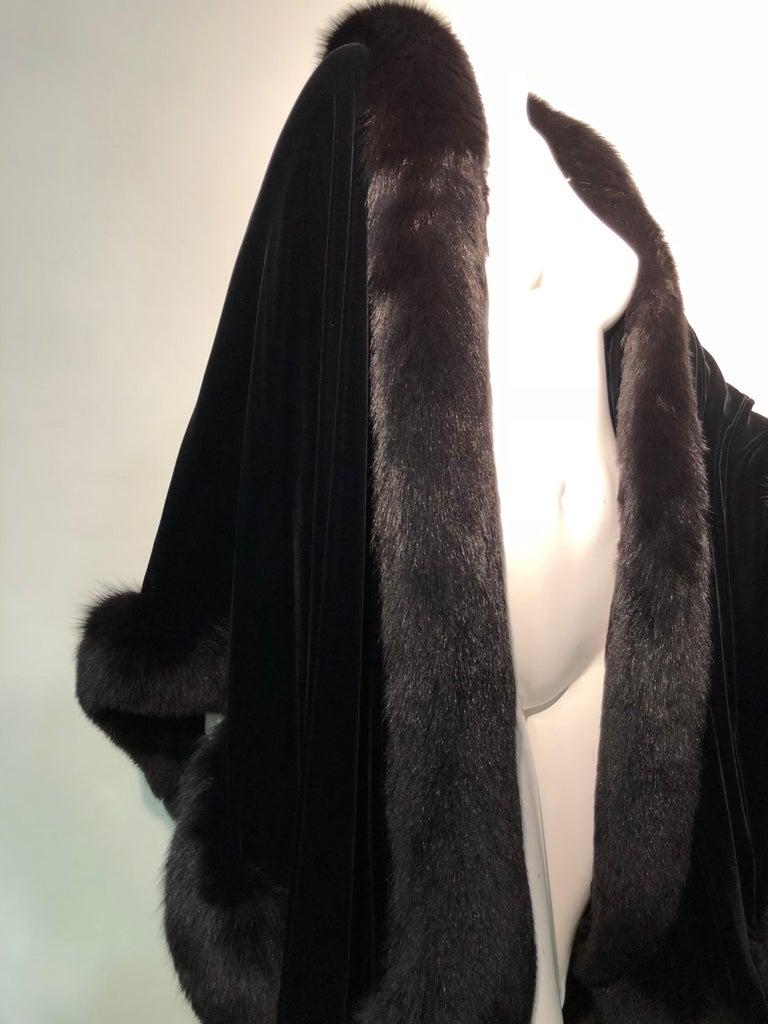 Halston Luxurious Black Silk Velvet Fox Fur Cape & Fox Fur Hat Ensemble For Sale 2
