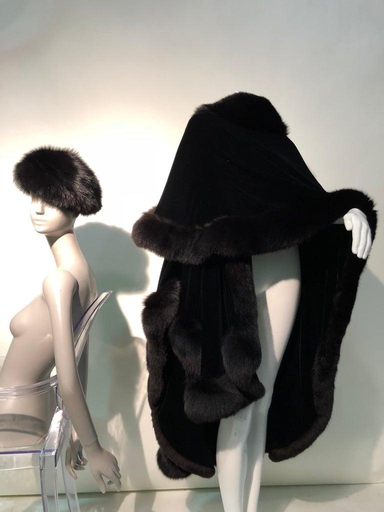 Halston Luxurious Black Silk Velvet Fox Fur Cape & Fox Fur Hat Ensemble For Sale 3