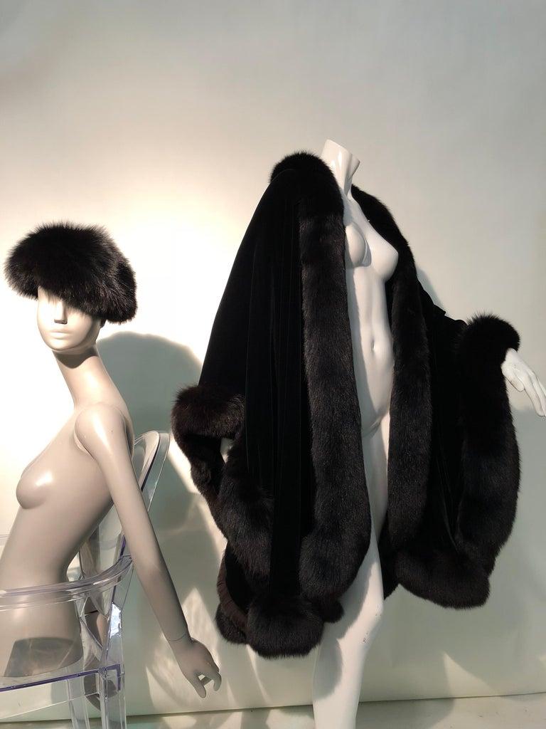 Halston Luxurious Black Silk Velvet Fox Fur Cape & Fox Fur Hat Ensemble For Sale 4