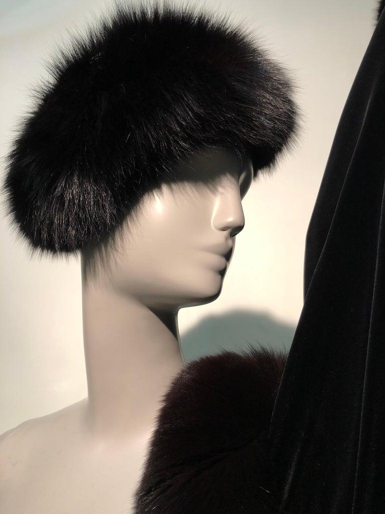 Halston Luxurious Black Silk Velvet Fox Fur Cape & Fox Fur Hat Ensemble For Sale 5