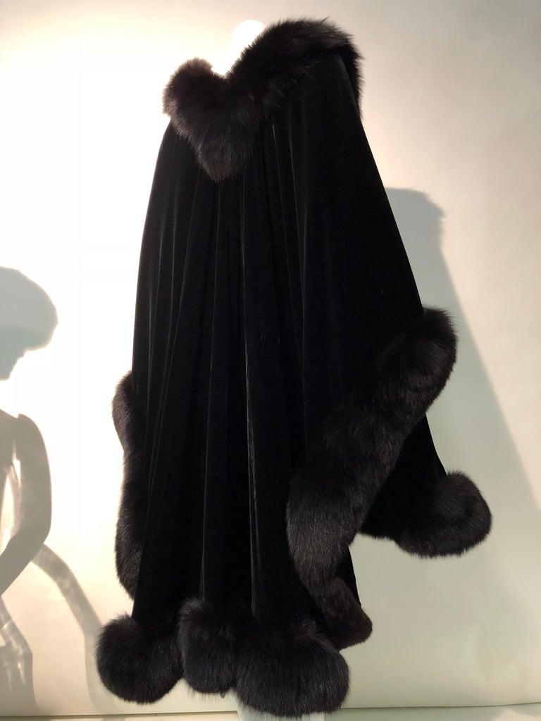Halston Luxurious Black Silk Velvet Fox Fur Cape & Fox Fur Hat Ensemble For Sale 7